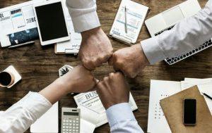 בנייה ופיתוח צוותי הנהלה בחברות